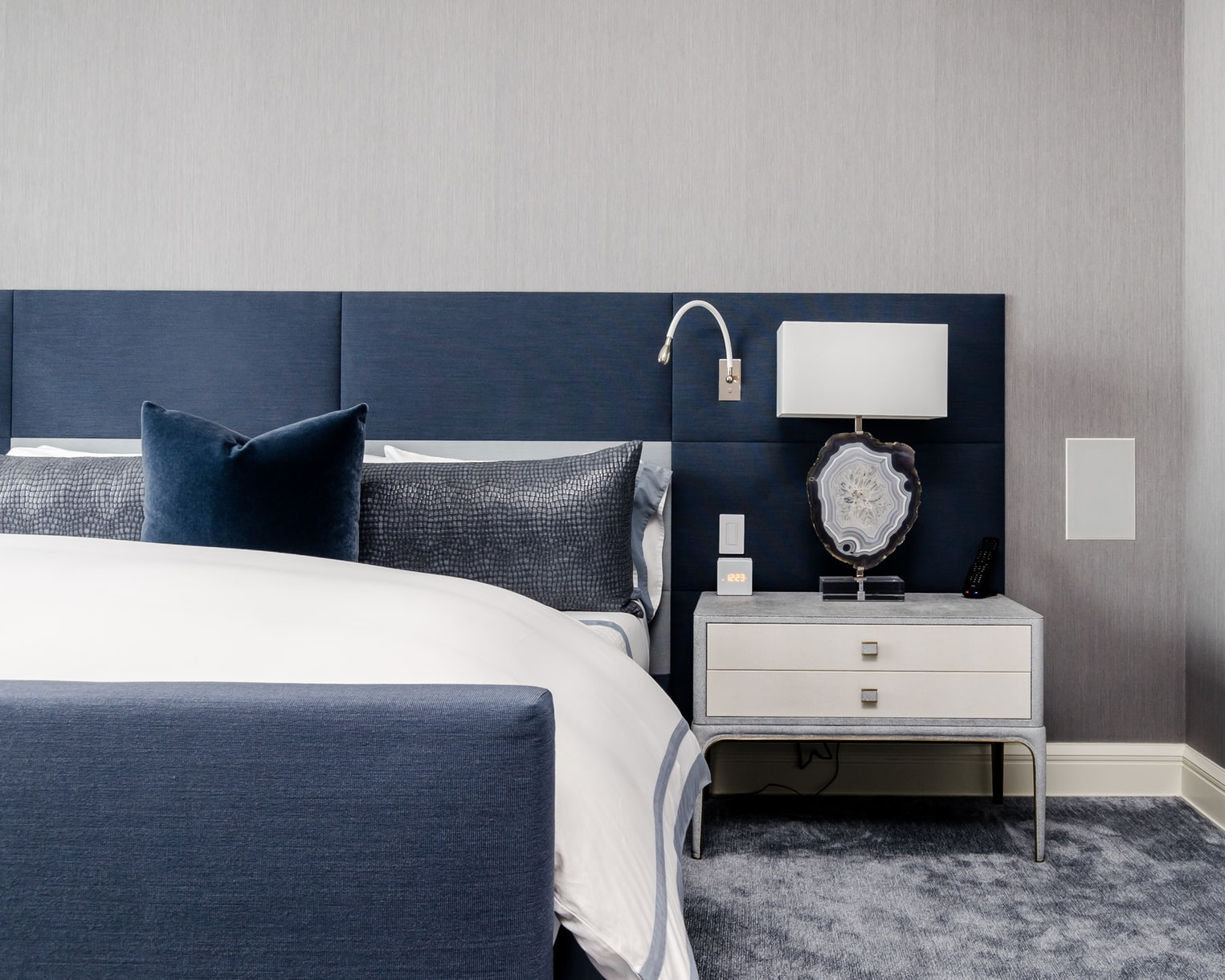blue-bedroom-design